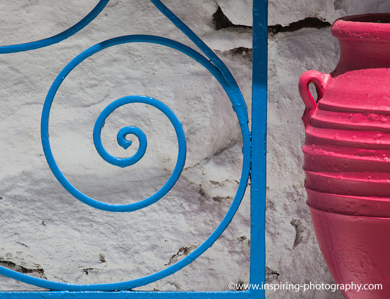 Details-at-Adamas-village-Milos-Island-Greece-©Elizabeth-Restal