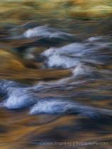Aoos-river-colour-reflections-Zagoria-Greece